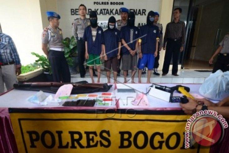 Polres Bogor tangkap empat pelaku pembunuhan berencana