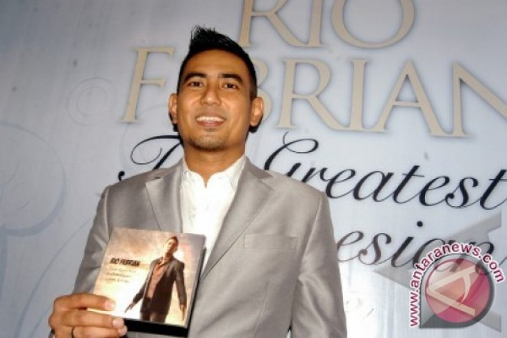 Rio Febrian Luncurkan Single