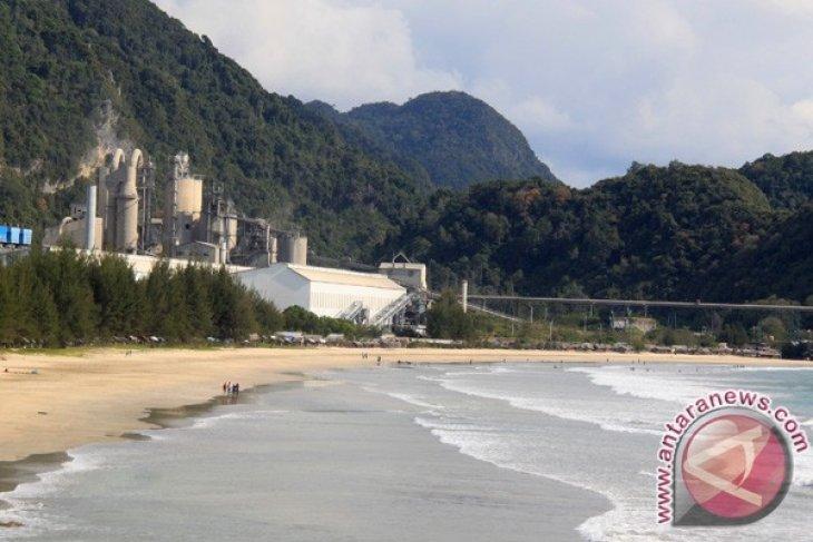 Liburan Pantai Lhoknga Antara News Aceh