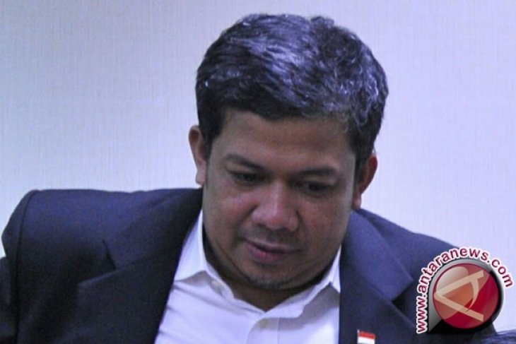 Fahri Hamzah Desak Lima Pimpinan PKS Mundur