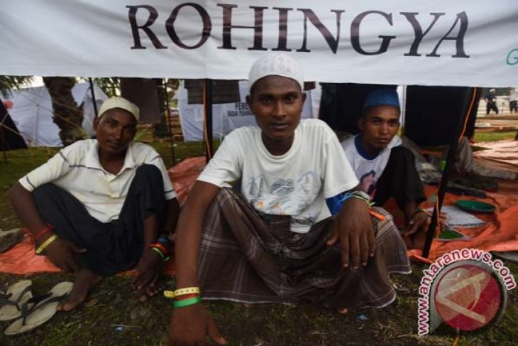 Stranded Rohingya immigrants moved to Gepeng  Langsa orphanage