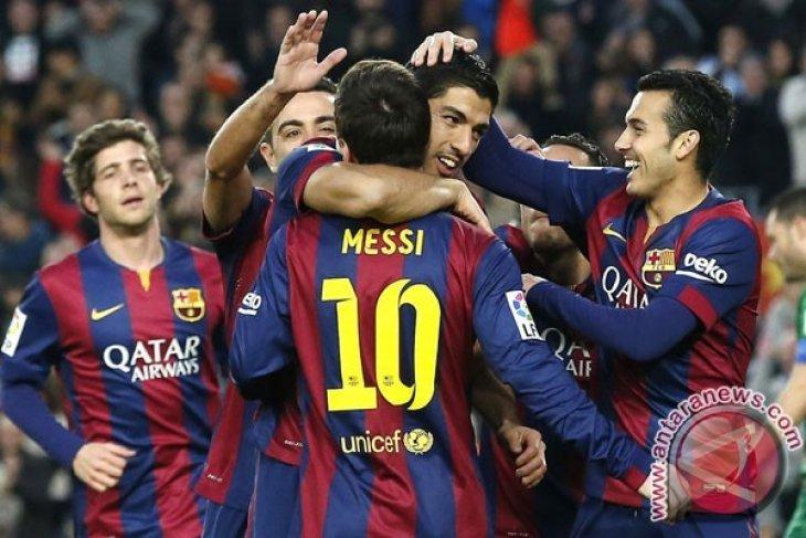 Ibrahimovic : Messi Tak Ada Duanya, seperti PlayStation