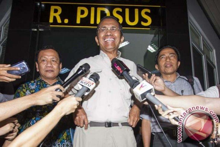 Dahlan Iskan officially banned from traveling abroad