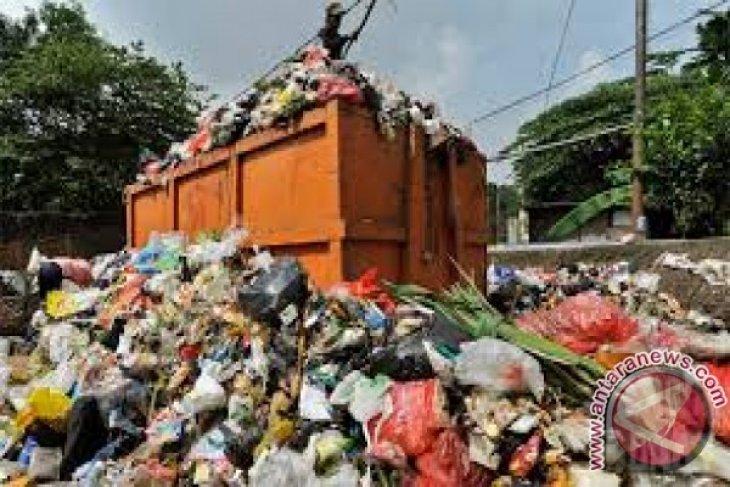 Pasar Angso Duo dijadikan proyek percontohan pengelolaan sampah