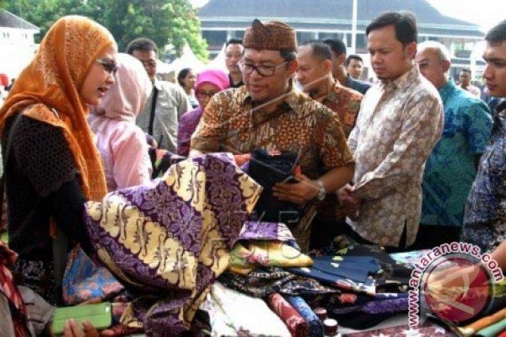 Gubernur Saksikan Kemeriahan HUT Jabar Di Bogor