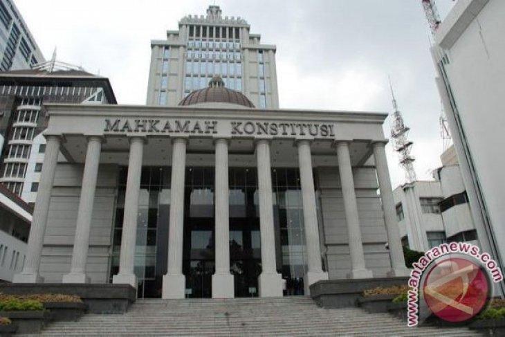 Hakim MK minta bukti Perppu COVID-19 jadi undang-undang