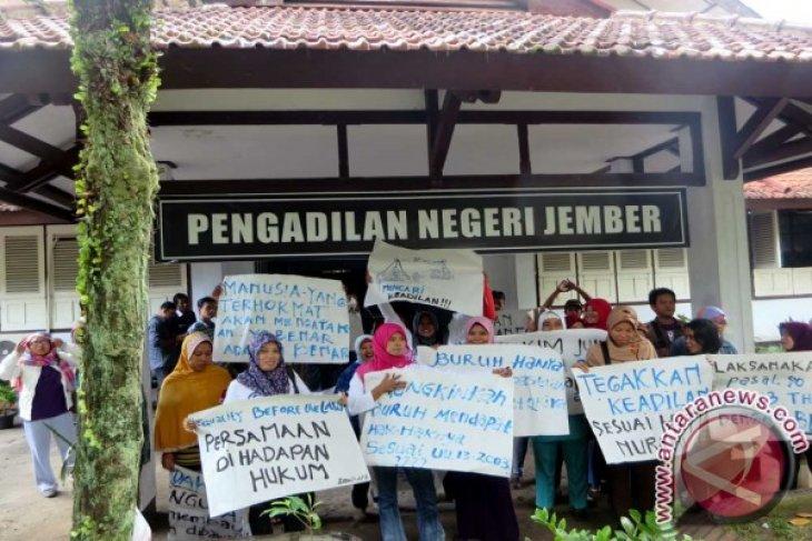 Sidang Tindak Pidana Ketenagakerjaan Diwarnai Demo Buruh