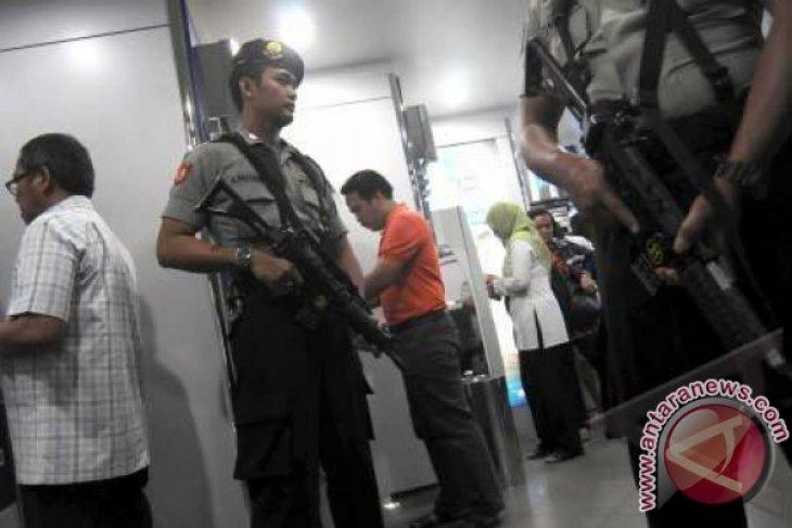 Calon Kepala Daerah Sukabumi Dikawal Enam Polisi