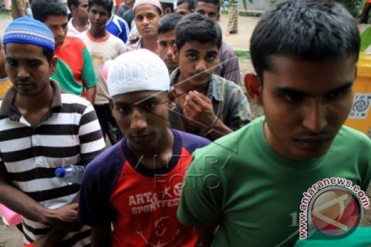 Pengungsi Rohingya Tertangkap Isap Ganja