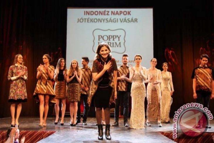 Batik Indonesia Meriahkan Puncak Hari Asia Pasifik