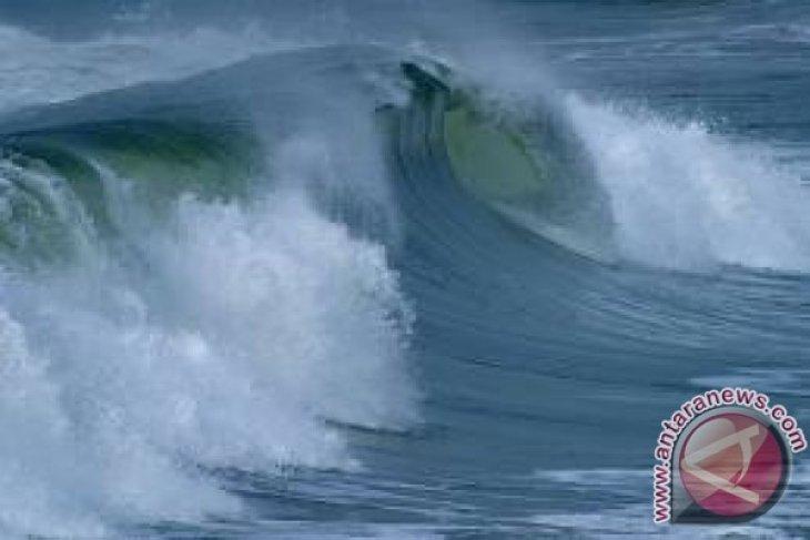 Awas, ada potensi gelombang tinggi ekstrem hingga sembilan meter di Laut Natuna Utara