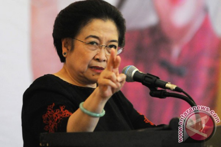 Padjajaran University awards honorary doctorate to Megawati