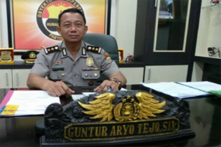 Riau police confiscate 5,000 ecstasy pills from two drug dealers