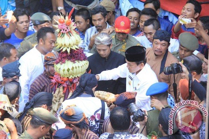 "Traditional celebration ""Syawalan"" preserved in Kudus"