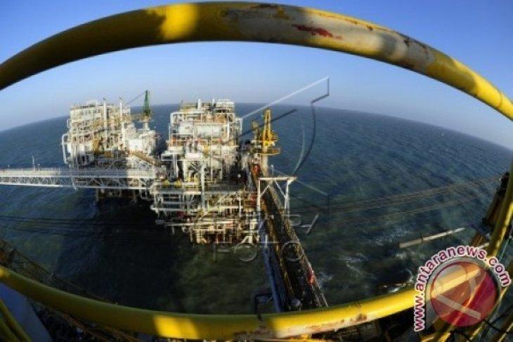 Harga minyak turun akibat stok AS meningkat