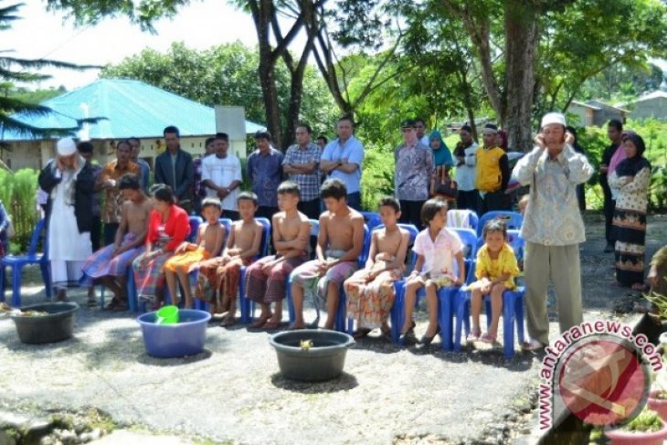 20 Anak Ikut Khitanan massal di Kecamatan PGGS
