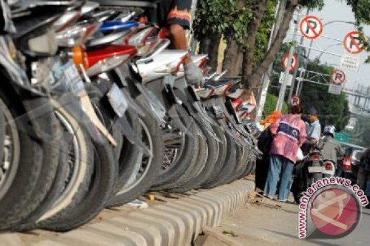 Banyak pengelola parkir tanpa izin di Bekasi