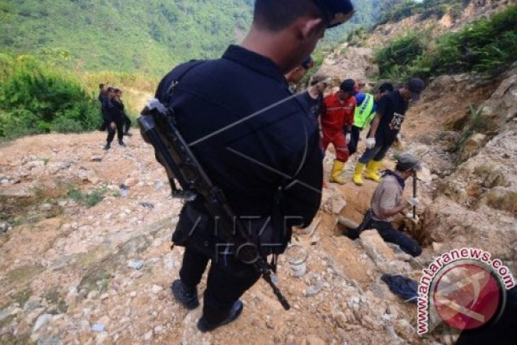Tenda Tambang Emas Liar Gunung Botak Dimusnahkan