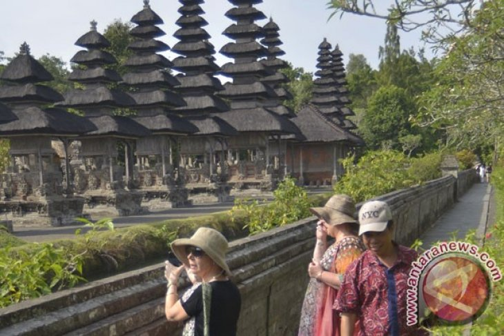 Indonesia receives 1.35 million foreign tourist arrivals in September