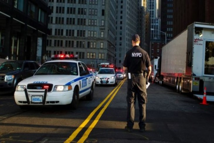 Police deploy in NY after Paris attacks