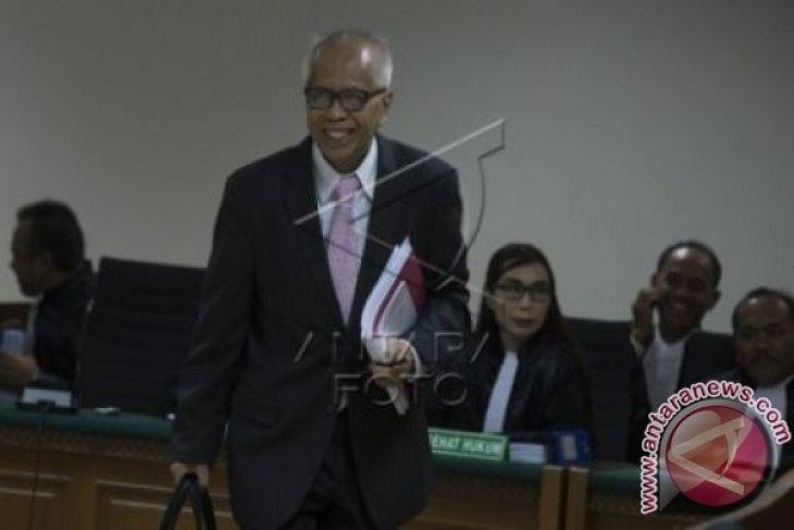 OC Kaligis Soal Tuntutan 10 Tahun Penjara