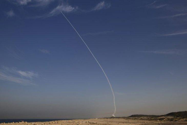 Berita dunia - Pesawat tempur Israel serang pangkalan udara Suriah