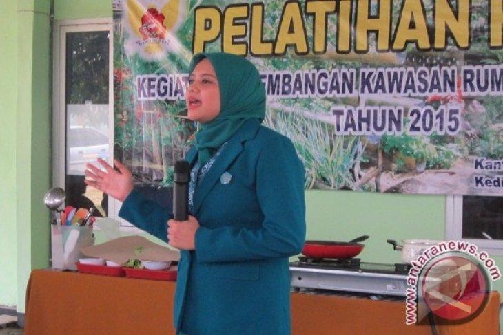 Istri Wali Kota Kediri Ajak Anak Gemar Makan Ikan