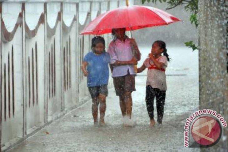 BMKG perkirakan hujan masih akan basahi sebagian wilayah Jakarta