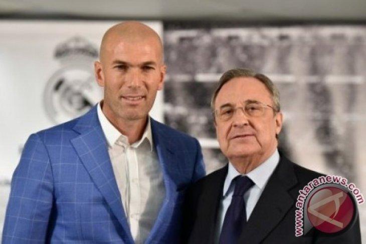Real Madrid Pecat Benitez, Zidane Diangkat Jadi Pelatih