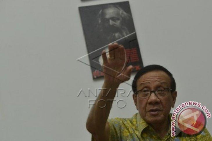 Akbar Tidak Setuju Novanto Ketua Fraksi