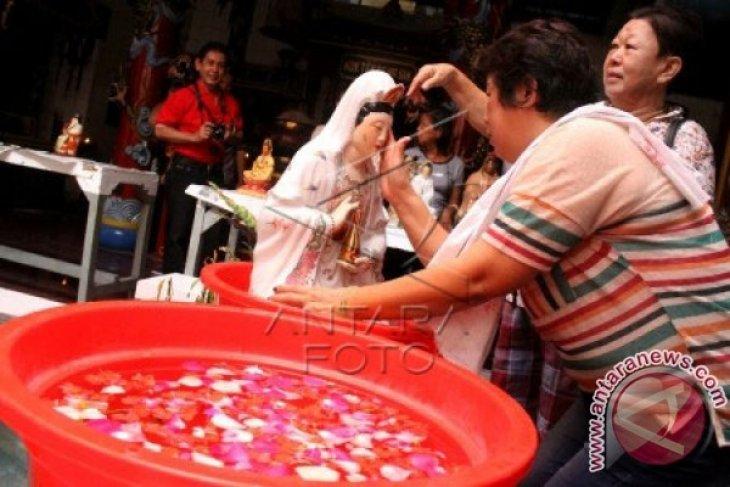 Klenteng Hok Lay Kiong Persiapkan Perayaan Imlek