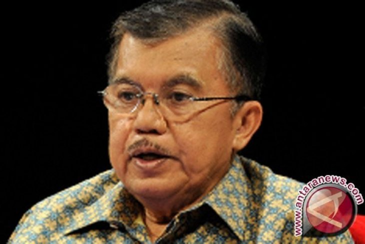 Jusuf Kalla urged the Chinese companies must prioritize Indonesian domestic workers