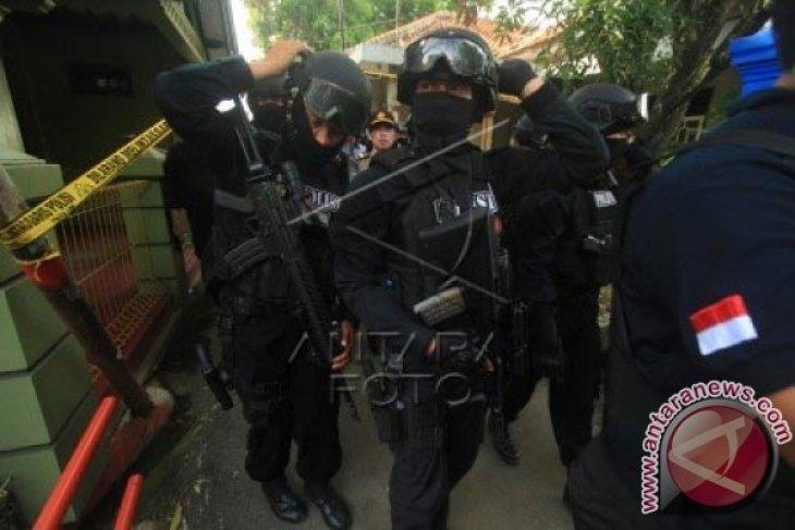 Densus 88 tembak dua terduga teroris di Tambun