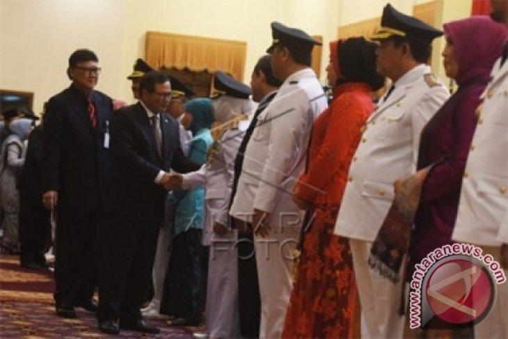 Gubernur Jatim Lantik Sembilan Pasangan Bupati Terpilih