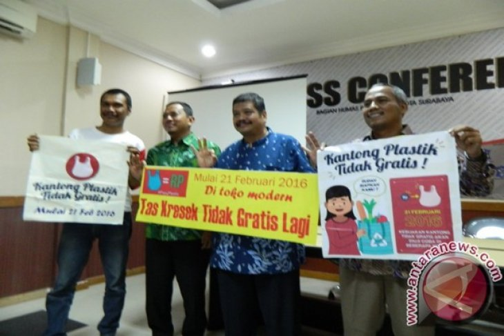 Pemkot Surabaya Ajak Warga Diet Kantong Plastik