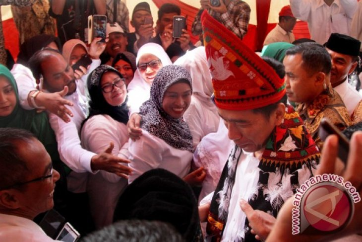 President Jokowi calls to further develop infrastructure in Aceh