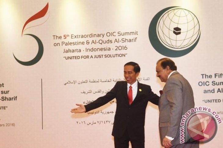 OIC Summit -- Indonesia-Pakistan meet to discuss cooperation priorities