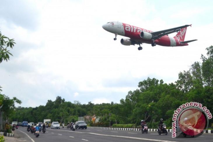 Bali reopens airport