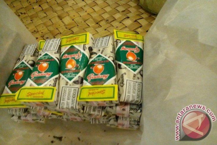 Pabrik Rokok Tradisional Manfaatkan Daring Kembangkan Usaha