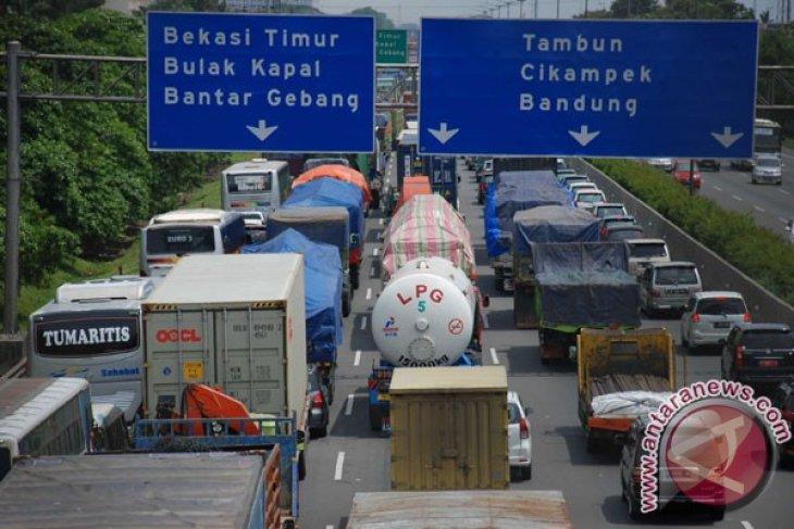 Pengusaha truk dukung implementasi pembatasan melintas tol
