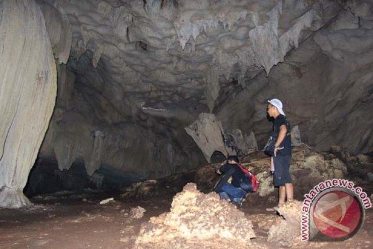 Pemkab Tabalong Benahi Wisata Goa Liang Kantin