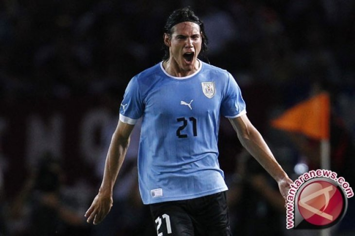 Penyerang Uruguay Cavani alami pembengkakan betis