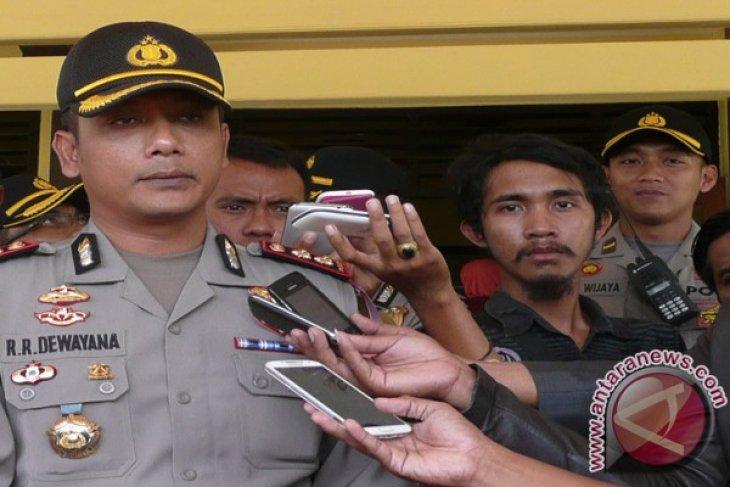 Kapolres Ajak Pemuda Pulau Sumenep Daftar Polisi