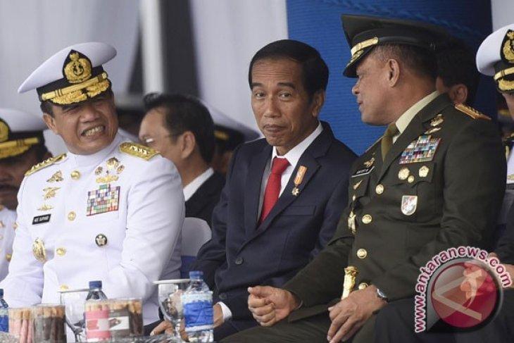 President Jokowi makes impromptu visit to Dr M. Djamil hospital