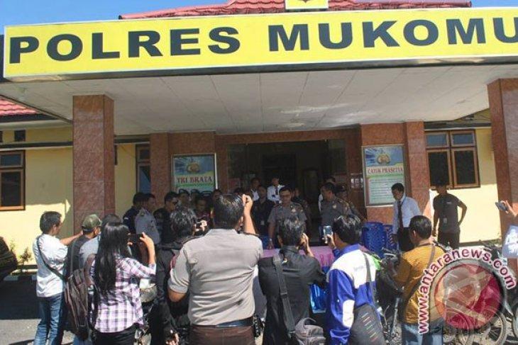 Polres Mukomuko tangkap dua pencuri sawit milik perusahaan