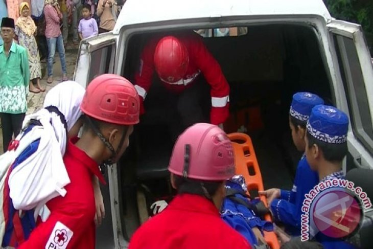 Anak-Anak PAUD Dilatih Penanggulangan Bencana Gempa