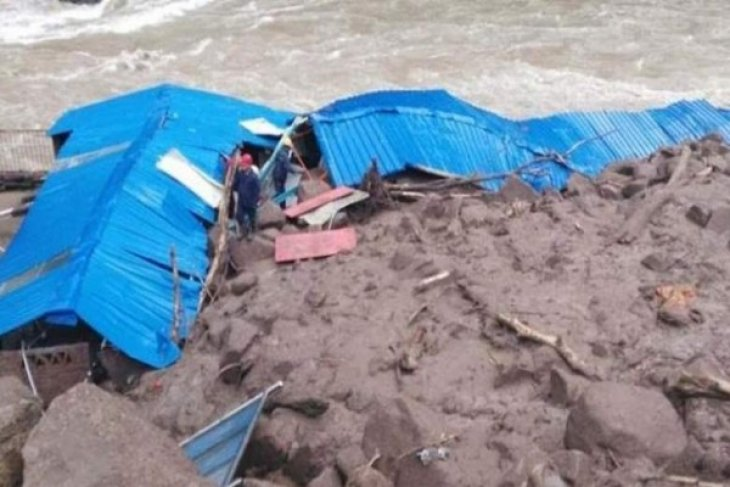Thirty-four missing in China landslide