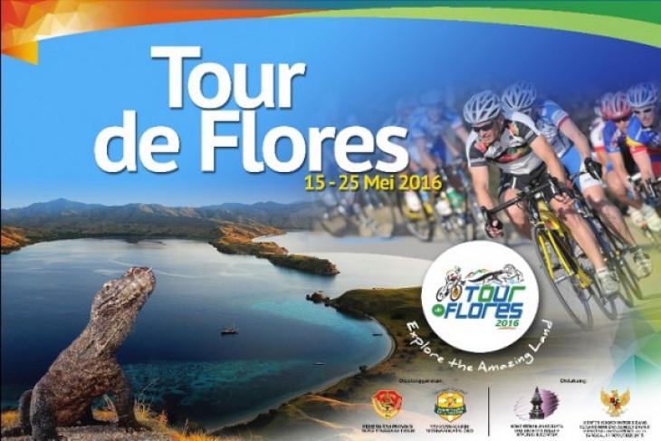 Tour de Flores participants arriving in Lembata