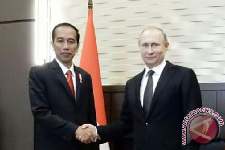 Jokowi, Putin witness signing of five Indonesian-Russian MoUs