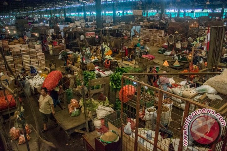 Govt still needs to build over 2,000 traditional markets